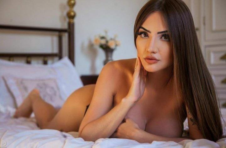Aline Faria Leaks Like A Coronavirus 22