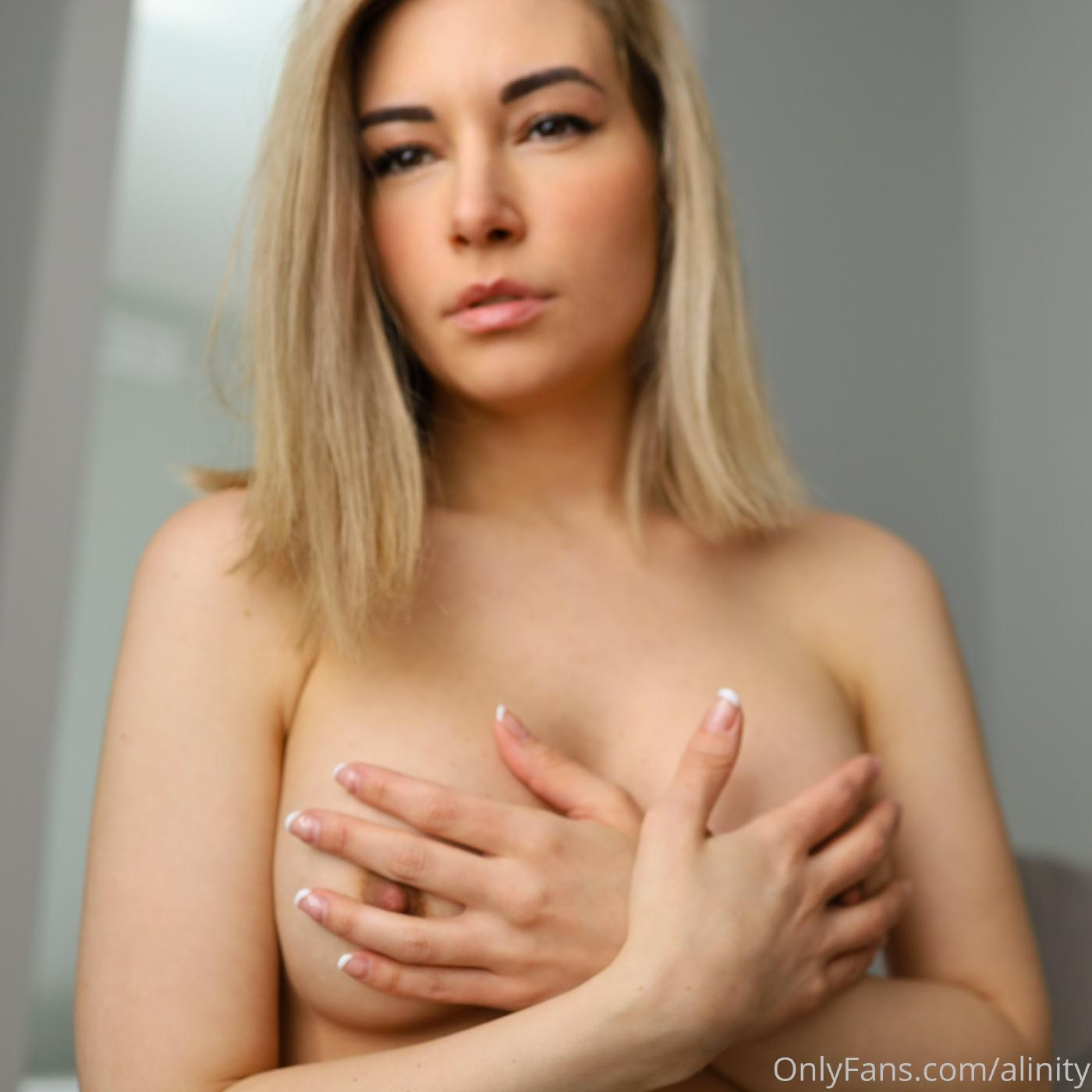 Alinity Nude Ass Tease Onlyfans Set Leaked