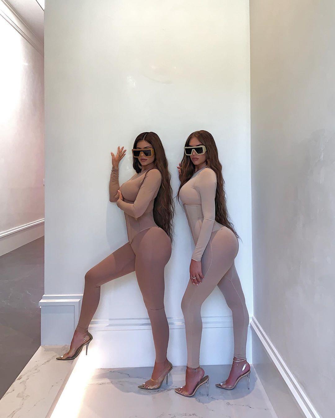 Kylie Jenner Lesbian Bikini Haul Photoshoot Leaked
